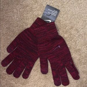 NWT Nike Knitted Grip Tech 2.0 Gloves, Size L/ XL